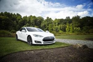 Autoverzekering elektrische auto blijft duur
